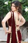 Zarine Khan flaunts her sexy back