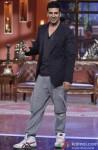 A Supercool Akshay Kumar Strikes A Pose