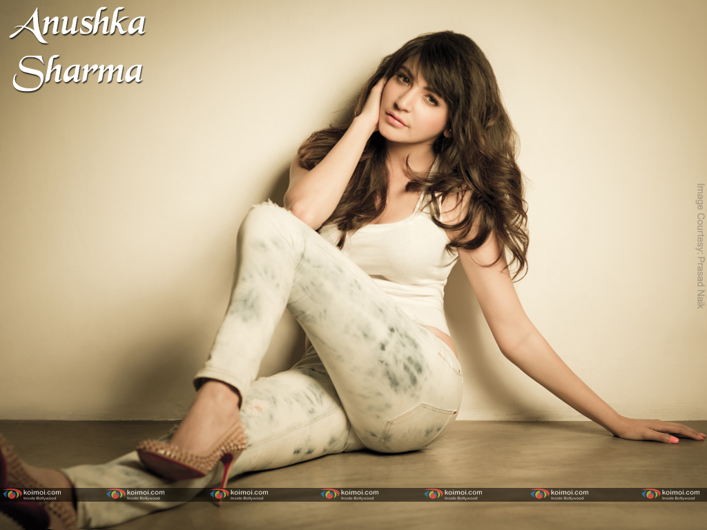 Anushka Sharma Wallpaper 6