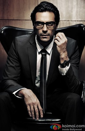 Arjun Rampal Looking Sexy With Glasses