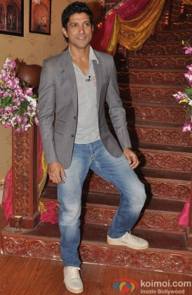 Farhan Akhtar Snapped Looking Smart At An Event