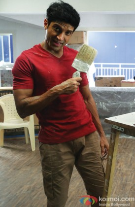 Farhan Akhtar Snapped With A Paint Brush