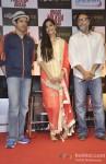 Farhan Akhtar, Sonam Kapoor And Rakeysh Omprakash Mehra At DVD Launch of Bhaag Milkha Bhaag Pic 1