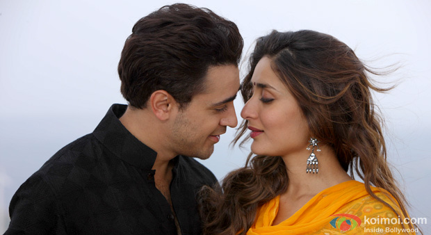 Imran Khan and Kareena Kapoor in a still from Gori Tere Pyaar Mein!