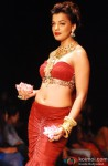 Mugdha Godse walks the ramp at India International Jewellery Week IIJW 2013