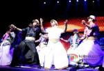 Shah Rukh Khan Rocks Temptations Reloaded at Perth Arena Australia Pic 6