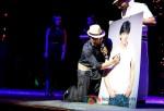 Shah Rukh Khan Rocks Temptations Reloaded at Perth Arena Australia Pic 5