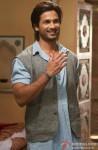 Shahid Kapoor Flashes His Killer Smile