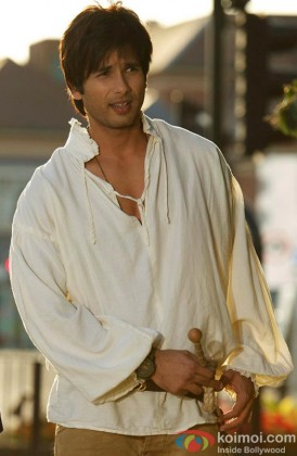 Shahid Kapoor In A still from Teri Meri Kahani