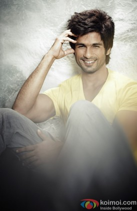 Shahid Kapoor Looking Cute At a Photoshoot