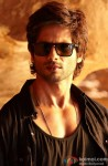 Shahid Kapoor Looks Hot In Black