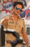 Shahid Kapoor dons a police vardi for Phata Poster Nikhla Hero