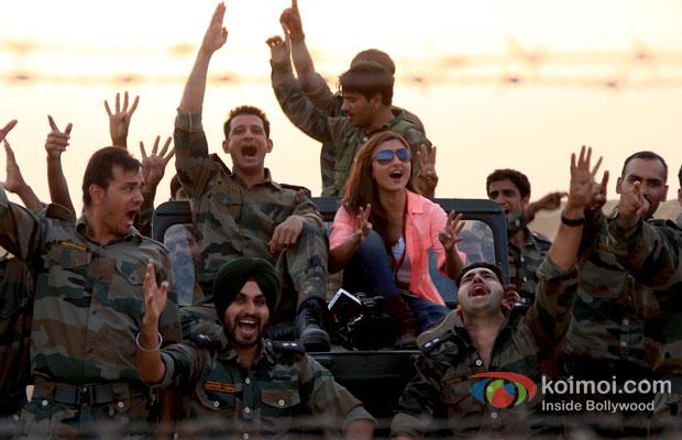 Sharman Joshi And Soha Ali Khan in War Chhod Na Yaar Movie Review Stills