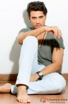 Shiv Pandit gives a killer look for the shutterbugs