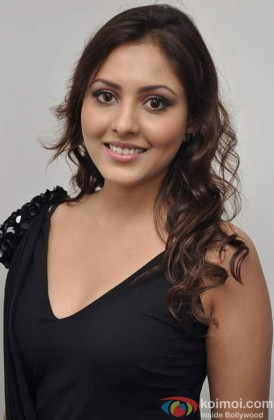 Madhu Shalini at promotional event of film Bhoot Returns