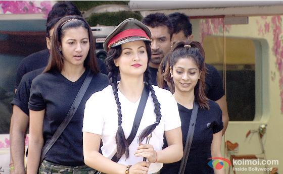 VJ Andy, Gauhar Khan, Elli Avram and Tanisha Mukherjee in a Bigg Boss 7
