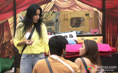 Kamya Panjabi, Kushal Tandon and Gauhar Khan in Bigg Boss 7