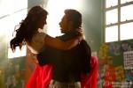Ileana DCruz and Varun Dhawan in Main Tera Hero Movie Stills Pic 2