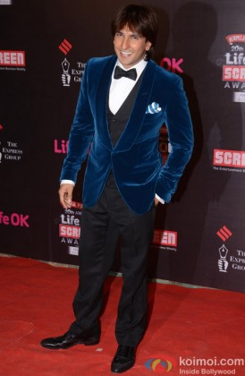 Ranveer Singh Poses At The Screen Awards 2014