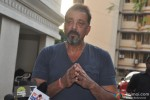 Sanjay Dutt Returns Home On Parole Pic 2
