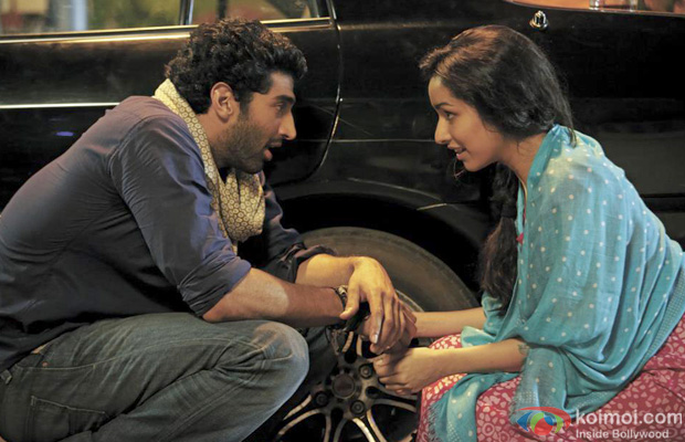 Aditya Roy Kapur and Shraddha Kapoor in a still from Aashiqui 2