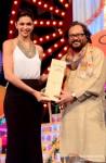 Deepika Padukone at Big Star Entertainment Awards 2013