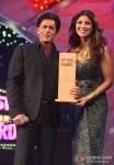 Shah Rukh Khan and Shilpa Shetty at Big Star Entertainment Awards 2013