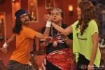 Bipasha Basu on the sets of 'Comedy Nights With Kapil' Pic 4