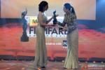Shilpa Shukla and Karisma Kapoor at the 'Filmfare Awards 2014'