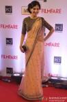 Amrita Rao walks the Red Carpet of 'Filmfare Awards 2014'