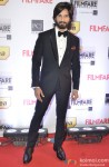 Shahid Kapoor walks the Red Carpet of 'Filmfare Awards 2014'