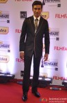 Dhanush walks the Red Carpet of 'Filmfare Awards 2014'