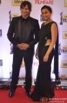 Vivek Oberoi and Priyanka Alva Oberoi walk the Red Carpet of 'Filmfare Awards 2014'