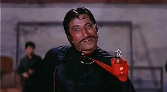 Shakti Kapoor as a 'Crime Master Gogo' in a still from movie 'Andaz Apna Apna'