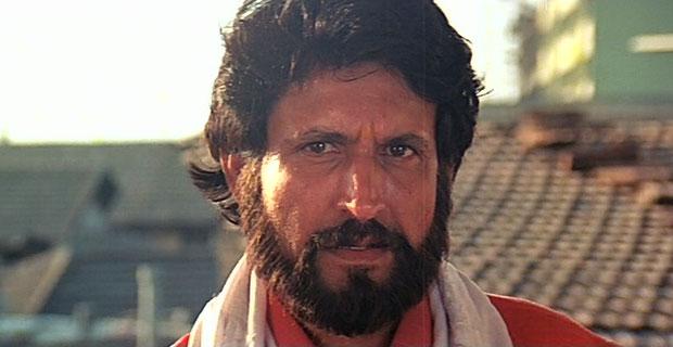 Kiran Kumar as a 'Lotiya Pathan' in a still from movie 'Tezaab'