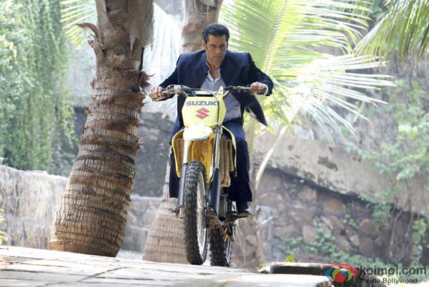 Salman Khan in a still from movie 'Jai Ho'