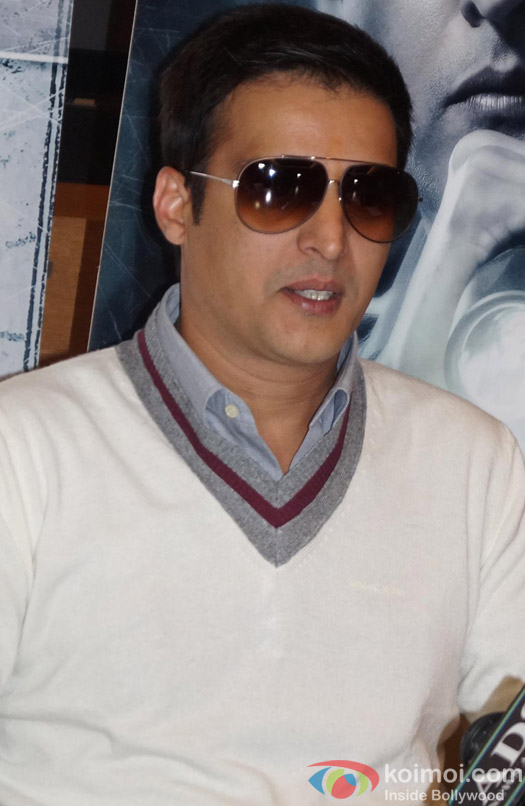 Jimmy Shergill Promotes Darr @ The Mall Pic 1