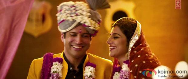 Farhan Akhtar and Vidya Balan in a 'Tauba Main Vyah Karke Pachtaya' song still from movie 'Shaadi Ke Side Effects'