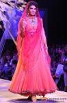 Jacqueline Fernandez walks the ramp at Lakme Fashion Week 2014 Pic 2