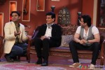 Jeetendra and Tusshar Kapoor On Comedy Nights With Kapil Pic 2