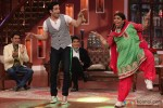 Jeetendra and Tusshar Kapoor On Comedy Nights With Kapil Pic 5