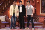 Jeetendra and Tusshar Kapoor On Comedy Nights With Kapil Pic 6