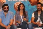 Sunny Deol, Shilpa Shetty and Harman Baweja during the press meet of the film Dishkiyaoon