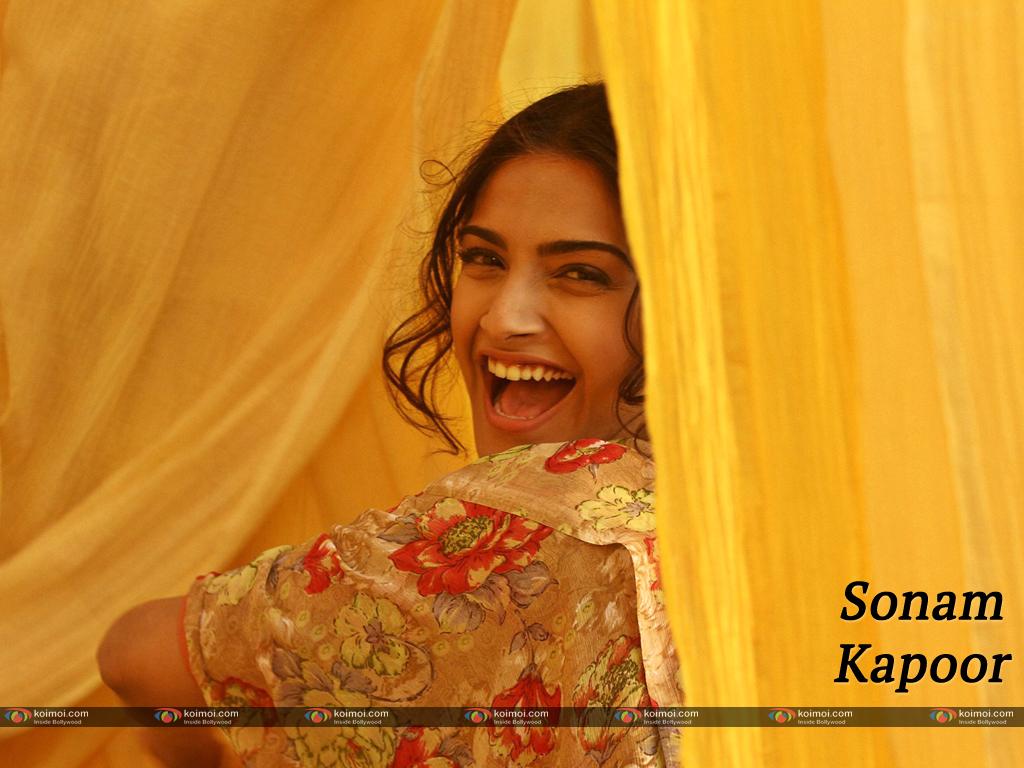 Sonam Kapoor Wallpaper 5