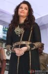 Aishwarya Rai spotted in Delhi at a Jewellery Showroom launch Pic 1