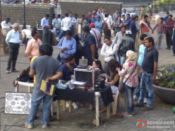 Akshay Kumar and Shruti Hassan On The Sets Of Gabbar