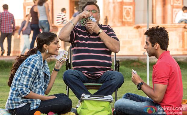 Sonam Kapoor, Rishi Kapoor and Ayushmann Khurrana in a still from movie 'Bewakoofiyaan'