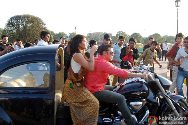 Salman Khan and Jacqueline Fernandez on the sets of movie 'Kick.'