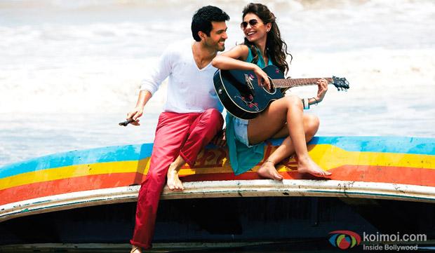Harman Baweja and Ayesha Khanna in a still from movie 'Dishkiyaoon'