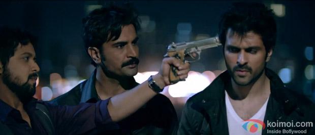 Anand Tiwari, Aditya Pancholi and Harman Baweja in a still from movie 'Dishkiyaoon'
